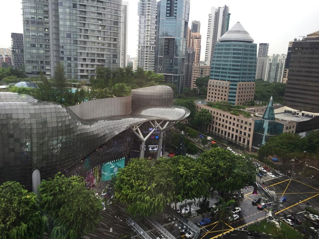 Menginap Mewah di Singapore Marriott Tang Plaza Hotel